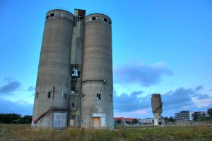 Double Silo Closer by joac1408