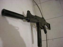 HK UMP45 submachine gun by ScannerJOE