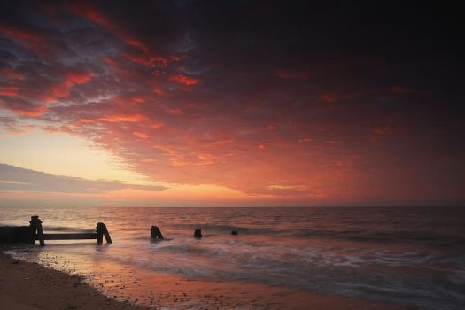 A New Day: Walton-on-the-Naze, Essex by ursularodgers