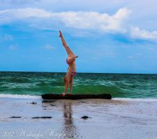 Hand Stand by MakaylaElaine1