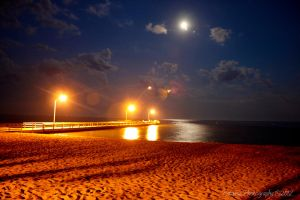 Night Time at the Pier by patganz