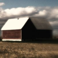Barn on Corn Field by pubculture