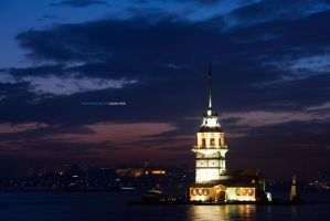 Maiden's Tower in istanbul by v3terinarius