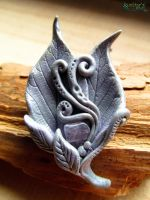Moon Spell brooch by SuvetarsWell