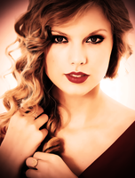 Taylor Swift by shellyplayswithfire