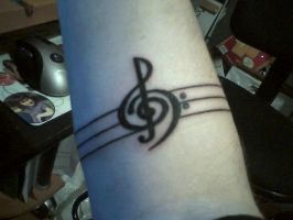 Treble bass clef by Black-White-Angel