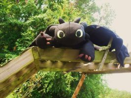 Toothless Says Hi by JeffrettaLyn