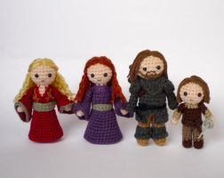 Cersei, Sansa, Arya and the Hound by LunasCrafts