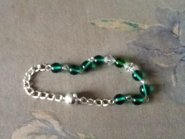 Teal and white bead bracelet by Jessicapilot901