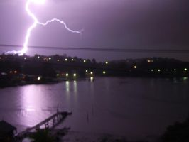 Lightning Over Oyster Bay 3 by llooyydd