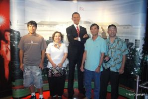 Ways to have the pictures with President Obama by trivto