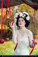 Snow White and the Apples by Amber-jade16