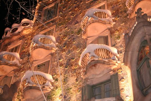 gaudi house at night by chewy023