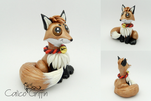 Fox - polymer clay sculpture by CalicoGriffin