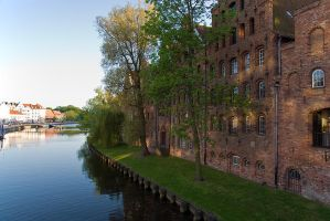 Old town of Luebeck by duncan-blues