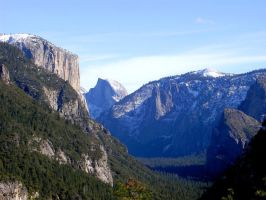 Yosemite Valley by 472