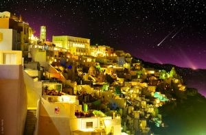 Fira By Night by BenHeine