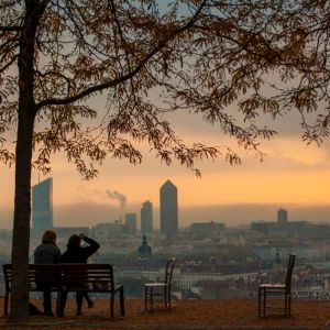 Lover in Lyon sunset by larduin