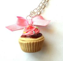 Big Cupcake Necklace by FatallyFeminine