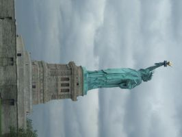 Statue of Liberty by oblivion-of-sanity