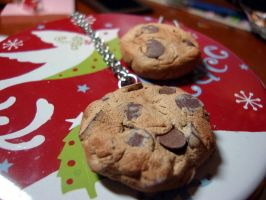 choco chips cookie necklace by cutieexplosion