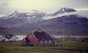 Greenland village by coshipi