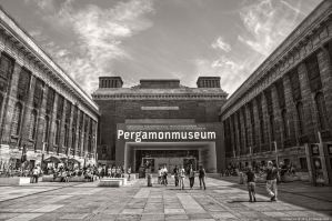 Berlin - The Pergamonmuseum by pingallery
