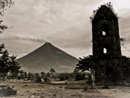 Mt Mayon by Boogerschnot