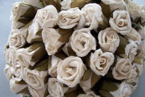 Vintage white roses by paintresseye