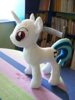 WIP Vinyl Scratch Eye Applique by WhiteAntCrawls