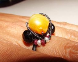 Yellow Alien wired ring by CrysallisCreations