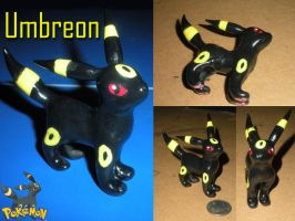 Little Umbreon by JoyfulArtist21