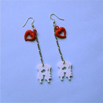 Kissing couple earrings by Quirkz