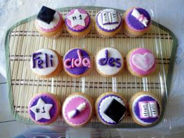 Graduation Cupcakes by PnJLover