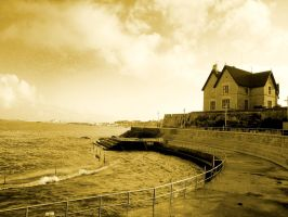 House by the Atlantic by alahay