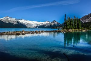 Garibaldi Lake by dashakern