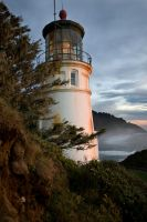 Light house 2 by SessaT
