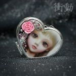 Silver Deco Mirror Doll Face by shoudoumagic