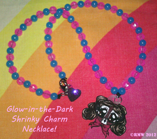 Glow-In-The-Dark Conjure Necklace! by beefyrae