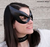 Seduce leather mask by Alyssa-Ravenwood