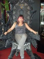Sitting proud on my throne by Farumir