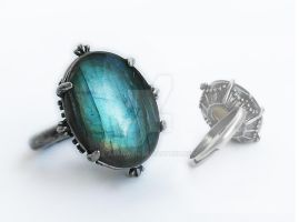 Labradorite Ring by Aranwen