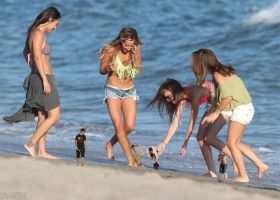 Ashley Tisdale and giantess friends by lowerrider