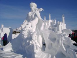 ice queen sculpture by naptu