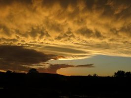 9-3 thunder clouds by Nipntuck3