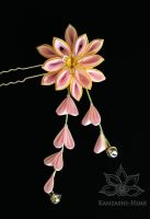 Pink and Gold Kanzashi Pin by Kanzashi-Hime