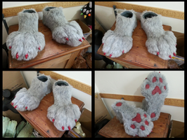 Rogerg Footpaws by CuriousCreatures