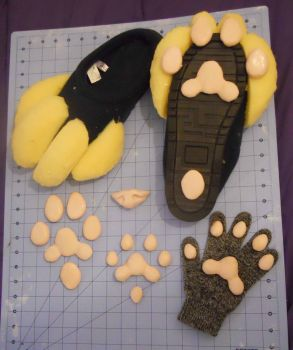 Ding, paws are done by candychic125