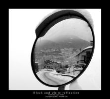 Black and white reflection by oO-ReflectionS-Oo