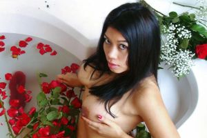 Nude Bathtube Roses 12 by julieestiva